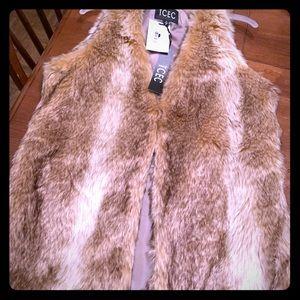 Jackets & Blazers - NWT fur vest